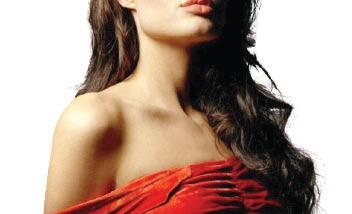 أنجلينا جولي في ورطة بسبب وجود تسجيلات تدينها
