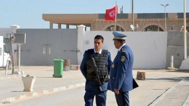 تونس تضبط ثلاثة مخابئ أسلحة  على الحدود مع ليبيا