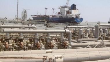 شركة هولندية تنتشل جزءا من ناقلة نفط عراقية غارقة منذ 25 عاماً