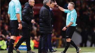 مورينيو مهدد بالإيقاف 3 مباريات