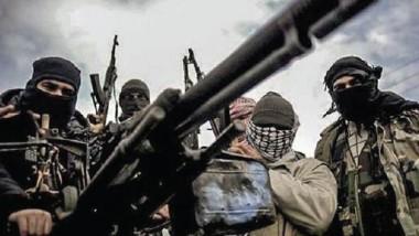 """داعش ينشر """"دمى عرض الأزياء"""" قرب سواتره داخل الموصل بعد هرب عناصره"""