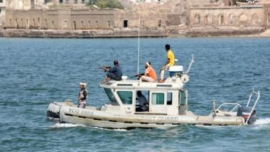 فقدان نحو ستين شخصا على سفينة قبالة سواحل اليمن