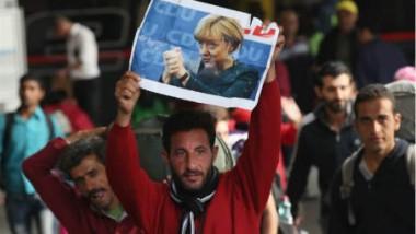 ألمانيا ما زالت تعاني سلبيات قرار ميركل في فتح الأبواب للمهاجرين