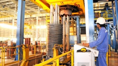 القطاع الصناعي يسهم في 33 % من الناتج المحلي