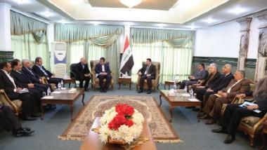 العراق يبحث مع إيران سبل التعاون الصناعي والفرص الاستثمارية المتاحة له