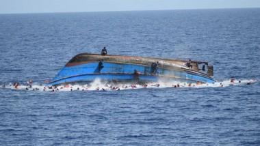 180 مفقوداً حصيلة غرق مركب مهاجرين في البحر المتوسط