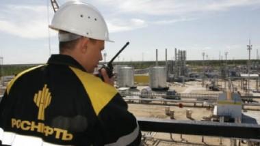 «روس نفت» وأذربيجان تقودان «محور» الخفض خارج أوبك