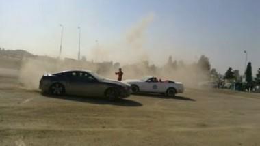 شباب عراقيون يتحدون داعش بممارسة التفحيط بالموصل