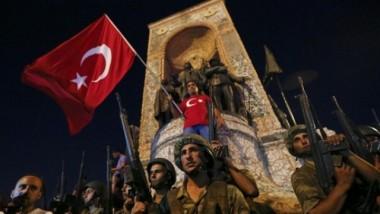 صحيفة تركية مقربة من أردوغان تحذّر من انقلاب جديد في آذار المقبل