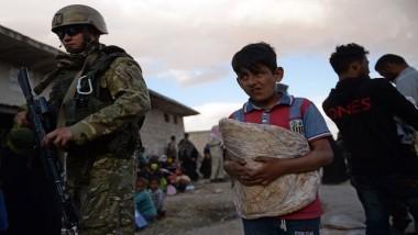 طائرات روسية تلقي بمساعدات أممية إلى دير الزور السورية