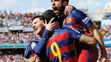برشلونة يقترب من الريال في الليجا.. تشيلسي يعزز حظوظه في البريمييرليج