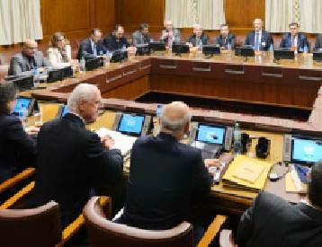 تفجيرات وضربات جوّيّة تهزّ محادثات السلام السورية في جنيف