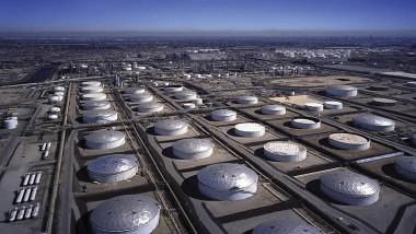 مخزونات النفط العالمية تقلق «أوبك»