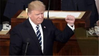 ترامب يدافع عن جيف سيشنز ويتهم الديمقراطيين بـ «استغلال الفرص»