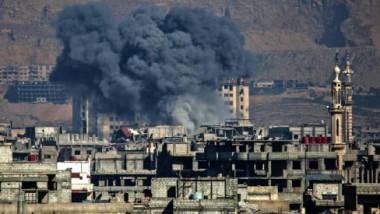 غارات وقصف على الغوطة الشرقية في سوريا غداة إعلان روسيا هدنة فيها