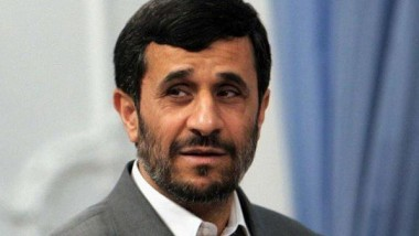 أحمدي نجاد يرشّح للرئاسة برغم أوامر المرشد له بعدم الترشّح