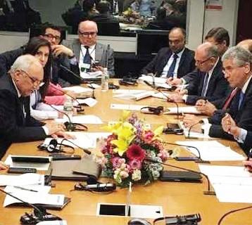 العراق يؤكد التزامه بشروط القرض الدولي قبل تلقيه دفعة جديدة لإعادة الإعمار