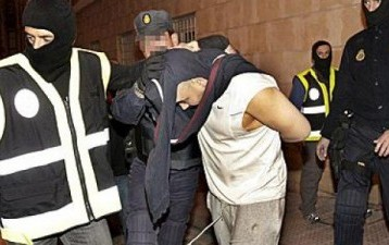اعتقال 8 في إسبانيا للاشتباه  في صلتهم بالتشدد الإسلامي