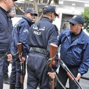 الجزائر تتسلم مطلوبين في قضايا مرتبطة بالإرهاب