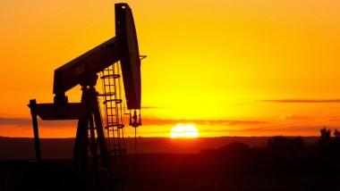 أسعار النفط تتعافى وتقترب من الـ 50 دولاراً
