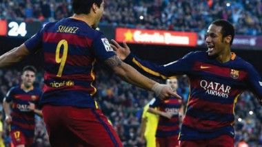 برشلونة يفوز.. وقمّة أرسنال وسيتي تنتهي بتعادل خاسر