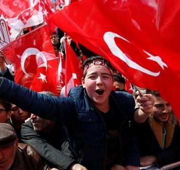 تظاهرات في معظم المدن التركية ضد نتائج الاستفتاء