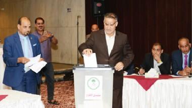 خليل ياسين يكمل عقد المكتب التنفيذي للجنة الأولمبية