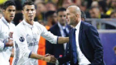 زيدان يصنع التأريخ مع ريال مدريد على الملاعب الكبيرة