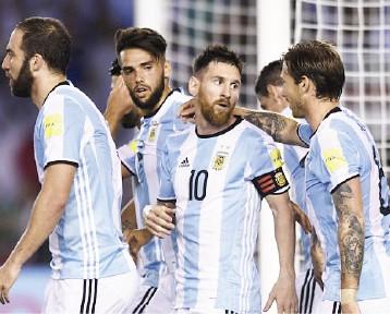 الأرجنتين تعاني من دون ميسي في تصفيات «الأوقيانوس» المؤهل إلى المونديال
