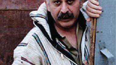مثقفون يستنكرون الاعتداء على الشاعر فرهاد بيربال