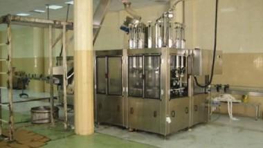 تشغيل خط أوتوماتيكي حديث لإنتاج الصابون في مصنع الرشيد