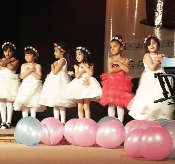 روضة «دار السلام» تحتفل بتخريج طلبتها الصغار على قاعة الرباط