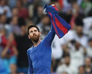 ميسي يصعق ريال مدريد في الوقت القاتل ويشعل الليجا