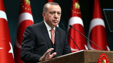 أردوغان يوجّه خطاباً شديد اللهجة للبارزاني ويحذّره من فقدان جميع الإمكانيات