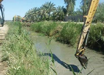 الموارد المائية تباشر بأعمال تنظيف الجداول والأنهر في المحافظات