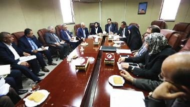 لجنة نيابية: العراق يستعين بفريق دولي لمواجهة الأزمة المالية