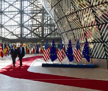 البيت الأبيض يستعدُّ لحرب طويلة في مواجهة تحقيقات علاقة حملة ترامب بروسيا