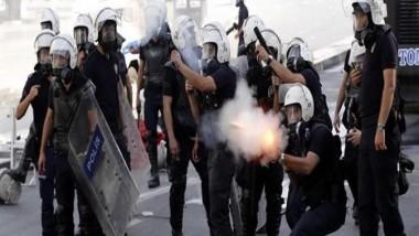 الشرطة تستخدم الغاز المسيل للدموع لتفريق تظاهرة في اسطنبول