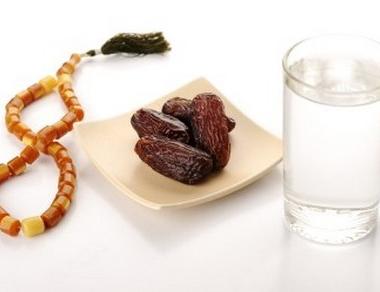 الصائمون في رمضان ما بين مطرقة التجار وسندان الحصة التموينية