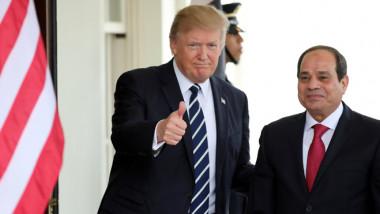 ترامب يبحث مع السيسي تطوير العلاقات وقمة الرياض