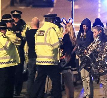 الاستعدادات الأمنية ترتفع في بريطانيا بعد تبنّي داعش هجوم مانشستر