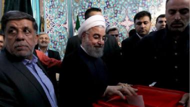 حسن روحاني يفوز على منافسه إبراهيم رئيسي في الانتخابات الرئاسية الإيرانية