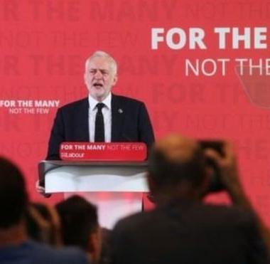 زعيم المعارضة البريطانية يتعهد بتغيير السياسة الخارجية في حال فوزه