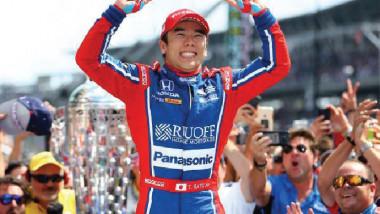 الياباني ساتو يفوز بسباق إندي 500 للسيارات