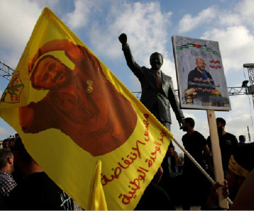 مئات المعتقلين الفلسطينيين يعلقون إضرابهم  عن الطعام في السجون الإسرائيلية