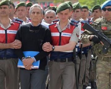 محاكمة عشرات العسكريين في تركيا بتهمة المشاركة في محاولة الانقلاب