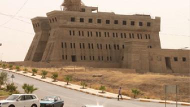 السفير العراقي يتسلّم بالقاهرة 1500 عنوان كتاب