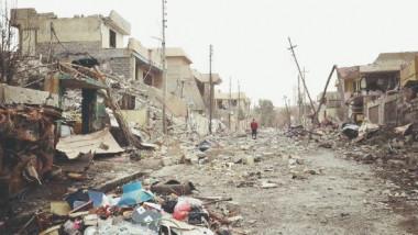 داعش يجبر الأهالي على السكن في بيوت مقصوفة مع عائلات مناصريه
