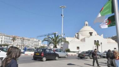 الجزائر تتوقع  صعوبات اقتصادية