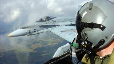الطائرات الحربية العراقية تستهدف مواقع لداعش في الأنبار والحويجة